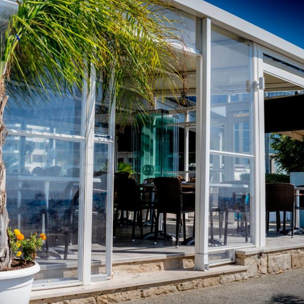 Victoria Trading Tents - Glass Systems: Movable Glasses