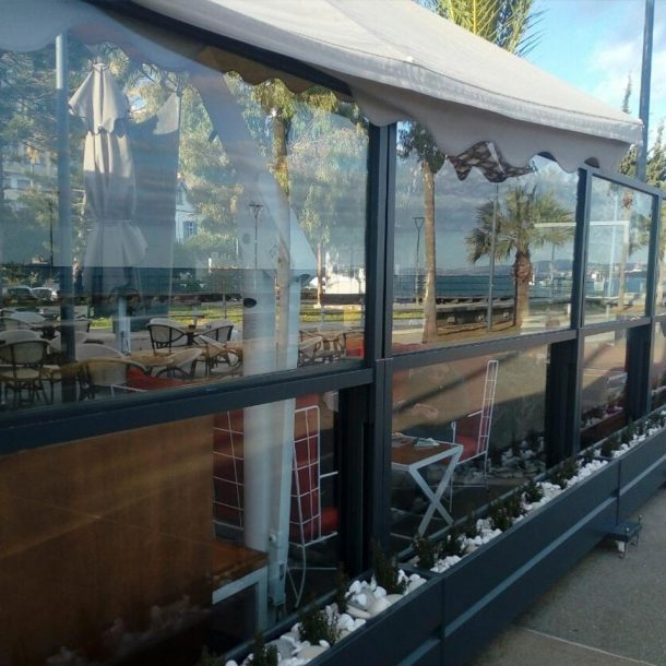Victoria Trading Tents - Glass Systems: Windbreak Glass