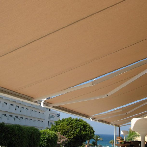 Victoria Trading Tents - Shading Tents: Awnings Cassettes