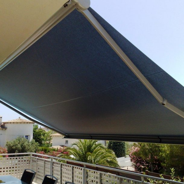 Victoria Trading Tents - Shading Tents: Awnings Tents